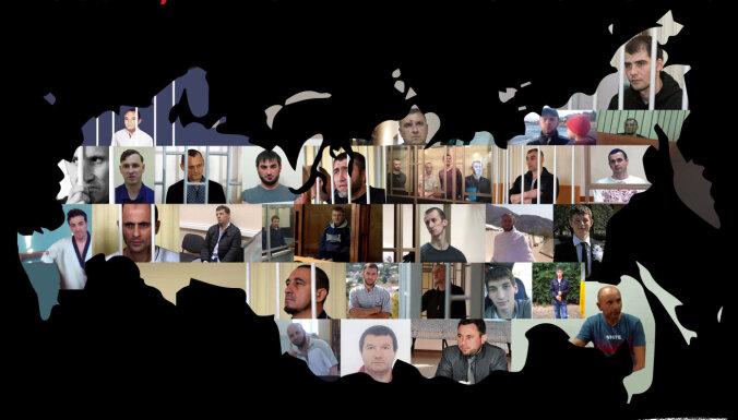 'Ļaujiet maniem ļaudīm iet': Ukraina atgādina par politieslodzītajiem Krievijā