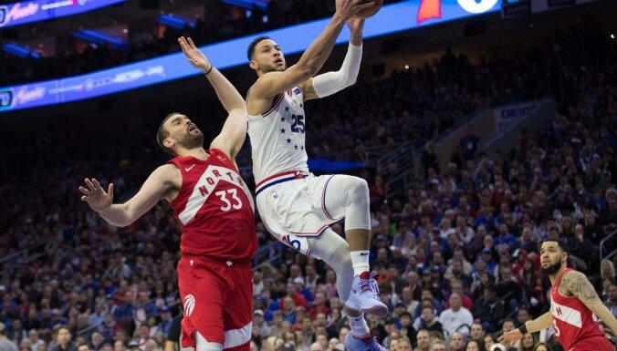 'Raptors' un 'Nuggets' panāk izlīdzinājumu NBA konferenču pusfinālu sērijās