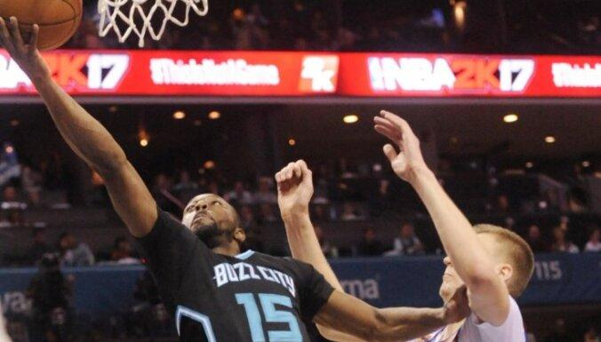 Porziņģi NBA Zvaigžņu spēlē aizstās Kemba Volkers
