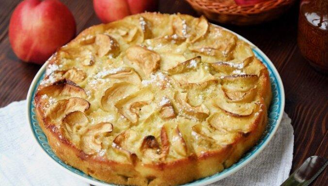 Ābolu kūka ar kefīru