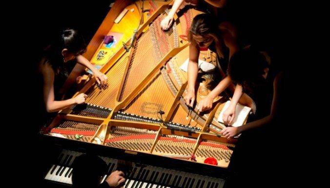 Cēsīs skanēs 'BrazilPianorquestra' – koncertšovs 10 rokām un vienām klavierēm