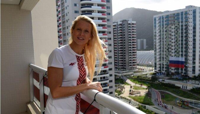 Foto: Latviešu sportisti smaidīgi dzīvojas pa Rio olimpisko ciematu