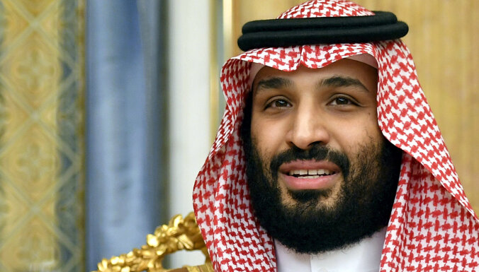 Karš ar Irānu izpostītu globālo ekonomiku, vērtē bin Salmans