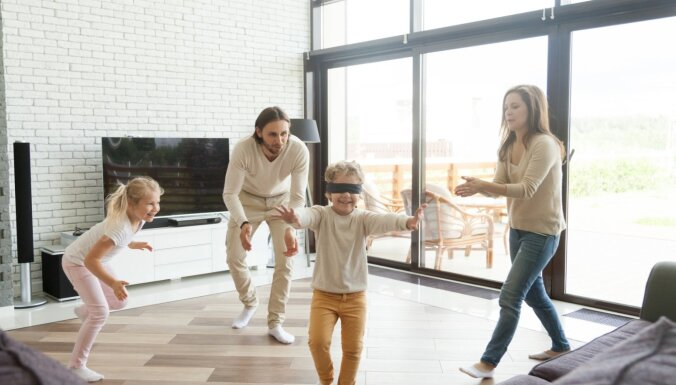 Paliec mājās: četras lustīgas iekštelpu rotaļas bērniem
