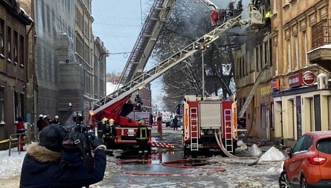 Пожар в Риге: один человек погиб, изменено движение транспорта (ФОТО)