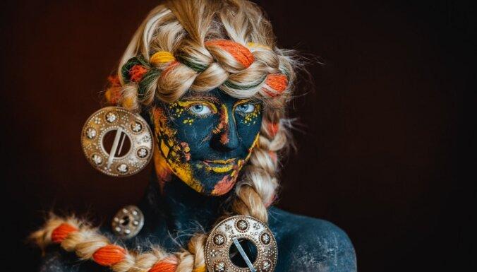 TDA 'Dancis' radījis neparastu kalendāru – par audekliem kļuvuši paši dejotāji