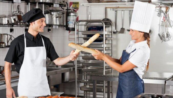 Francija piesaka karu restorāniem, kas apkauno franču virtuvi