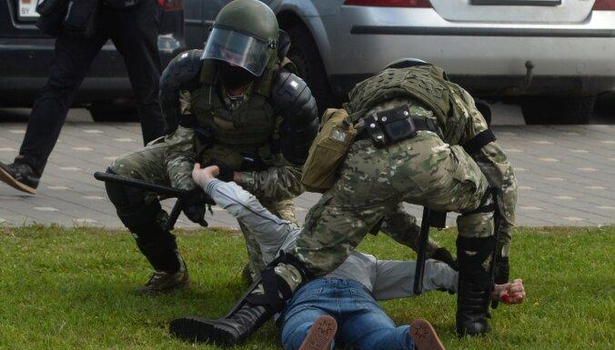 Минская милиция сообщила о готовности применять оружие на несанкционированных протестах