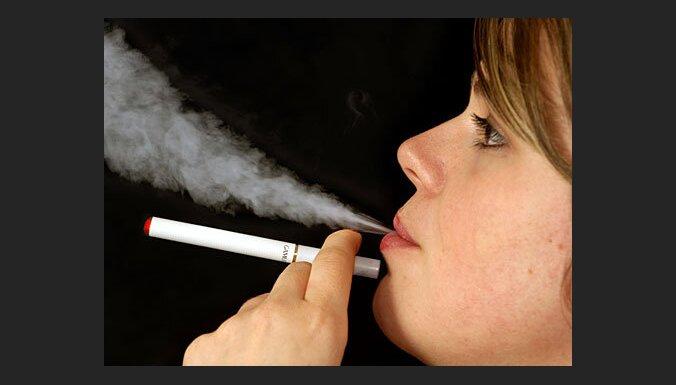 Названы латвийские города, в которых доминируют контрабандные сигареты