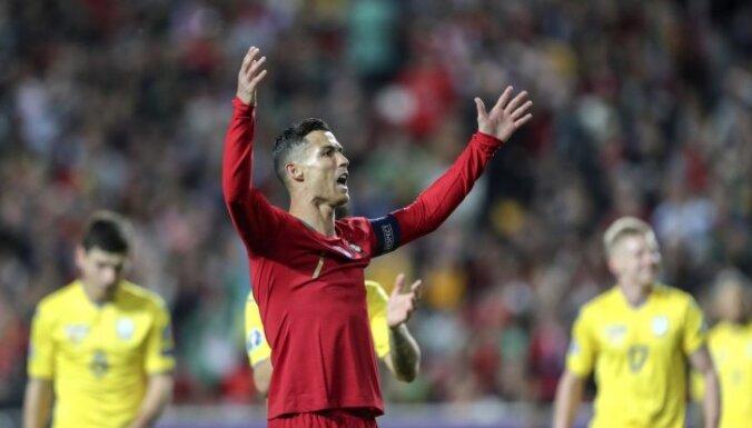 Ronaldu un Portugāles futbola izlase finansiāli atbalsta amatieru klubus