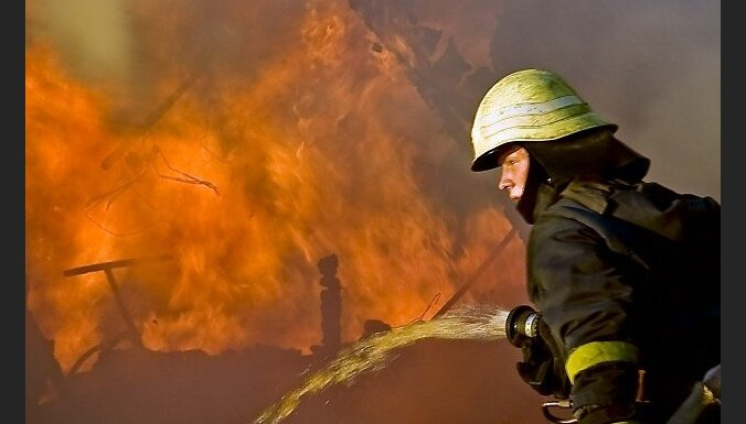 Aizvadītajā diennaktī ugunsgrēkos bojā gājuši divi cilvēki