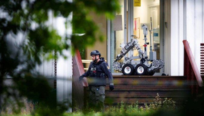 Bruņots vīrietis Norvēģijas mošejā ievainojis cilvēku un aizturēts
