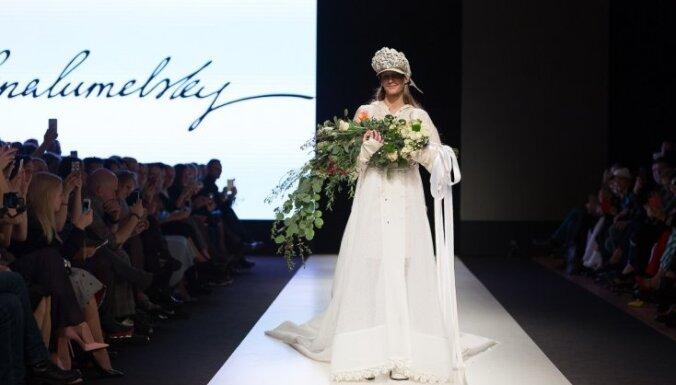 Rīgas modes nedēļas ceturtā diena: neitralitāte pret kaislīgu brīvību