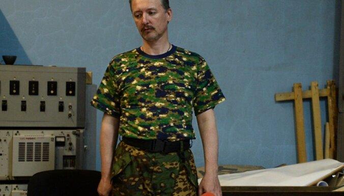 Strelkovs atkāpies no separātistu 'aizsardzības ministra' amata