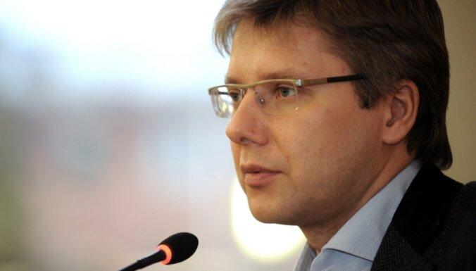 """Политолог: Линдерман хочет напомнить о себе, подложив """"свинью"""" Ушакову"""