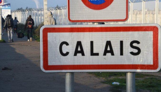 """Закон """"Джунглей"""". Почему сносят лагерь в Кале и что будет с мигрантами"""