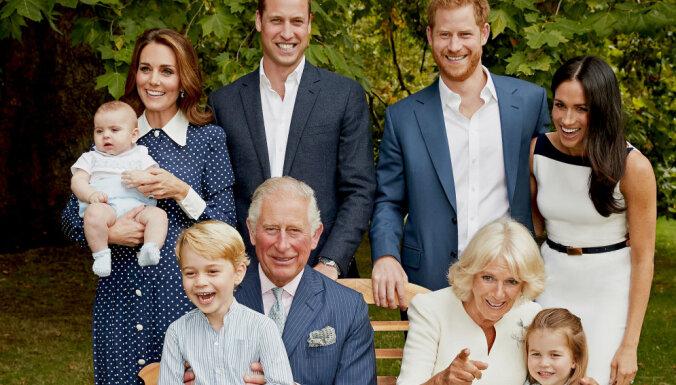 Princim Čārlzam – 70: britu karaļnams publisko unikālus foto