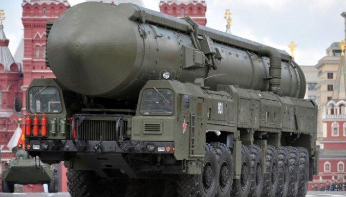 Starp Krieviju un NATO ir iestājies jauns aukstais karš, uzskata Medvedevs