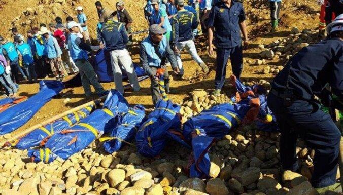 Nefrīta raktuvēs Mjanmā bojā gājuši vismaz 90 cilvēki