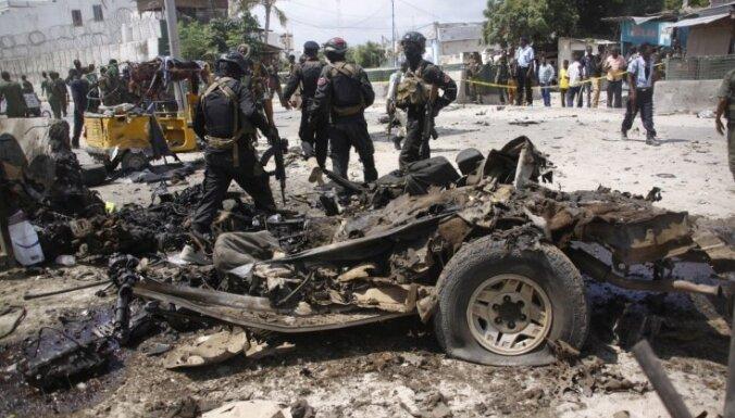 Somālijā pie policijas iecirkņa uzspridzinās pašnāvnieki; pieci bojā gājušie