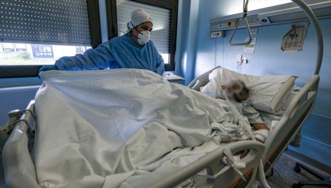 Число жертв коронавируса в мире превысило 250 тысяч