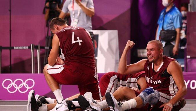 Баскетболисты Латвии в финале обыграли россиян и стали олимпийскими чемпионами