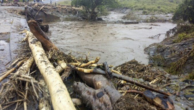 Plūdos un zemes nogruvumos Kenijā vismaz 34 upuri