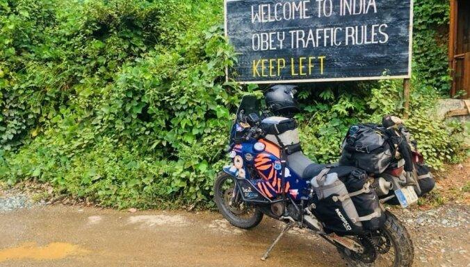 Путешествие латыша на мотоцикле по Индии: жуткие дороги, больница и знакомство с местными