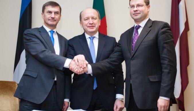 Домбровскис с премьерами Балтии обсудил энергетические и транспортные проекты