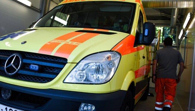 В Ригу из Лиепаи доставлен пациент с подозрением на коронавирус