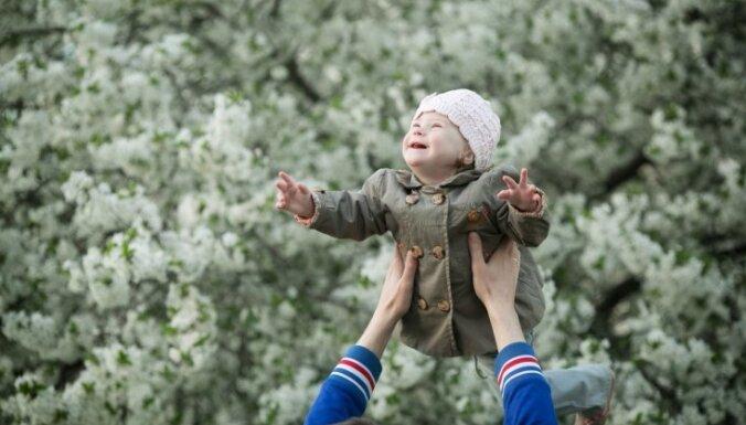 10 bērnu tētis no Krāslavas: Esmu laimīgs par Dieva dāvanu – meitiņu ar Dauna sindromu