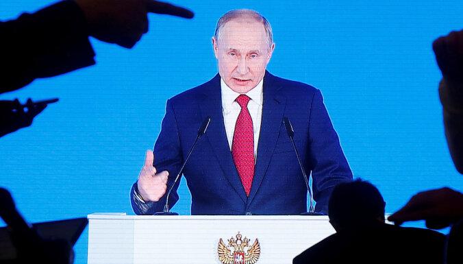 Putins varu neatdos: mediji par pārmaiņām Krievijā