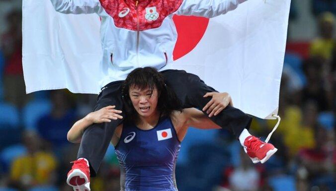 Risako Kawai (Japan) and head coach