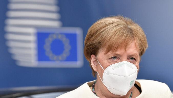 Канцлер Германии Меркель призвала освободить Навального