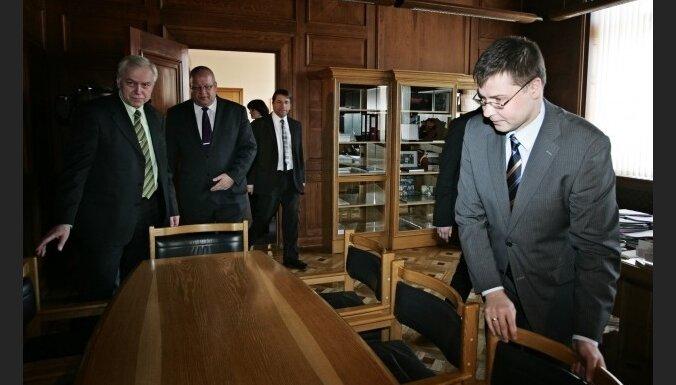 Коалиция сначала подыщет беспартийного кандидата на пост министра юстиции