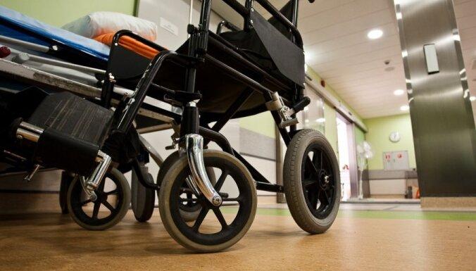 Valsts slimnīcām galvojusi 220 miljonu eiro aizdevumus