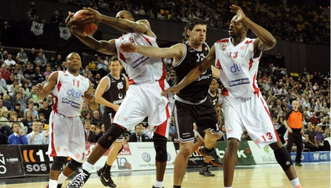 Blūms ar 12 punktiem palīdz 'Gescrap Basket' izcīnīt uzvaru Eirolīgā