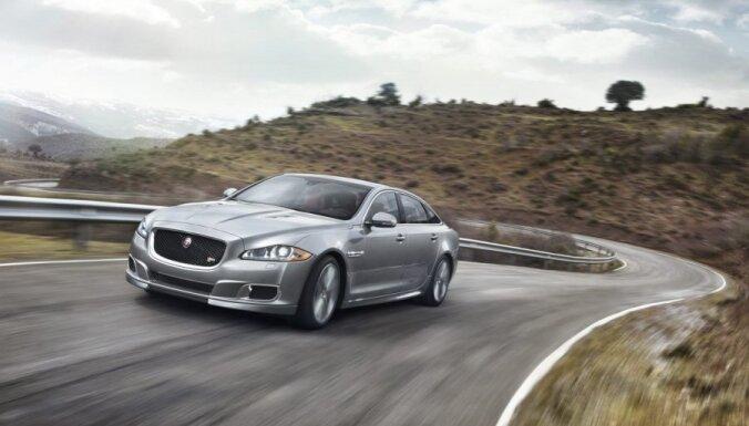 'Jaguar' oficiāli atklāj sportisko limuzīnu 'XJR'