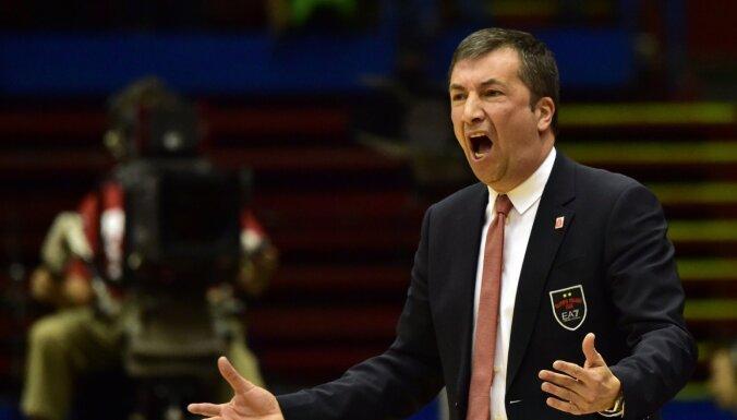 Latvijas basketbola izlases trenera amatā apstiprināts Banki