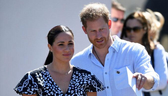 Британцы потеряли веру в принца Гарри и сочувствуют королеве