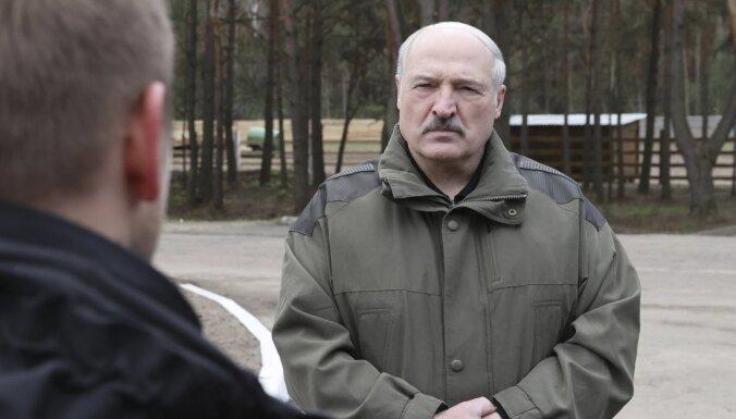 Lukašenko pastāsta, kā viņu plānots nogalināt 9. maija parādes laikā