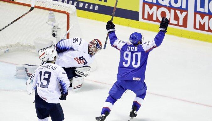 Mājiniece Slovākija ar burvīgu uzvaru pār ASV sāk PČ