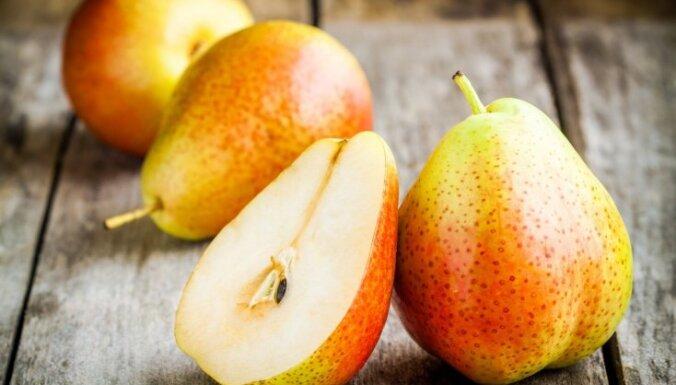 Veselīgākie augļi un ogas, ko pievienot dzeramajam ūdenim