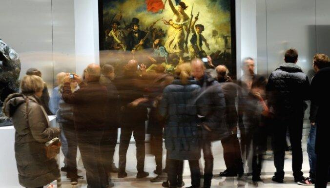 Франция: в филиале Лувра осквернена картина Делакруа