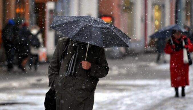 Синоптики: в пятницу погода в Латвии не изменится