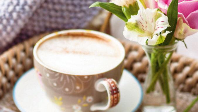 Kafijas un šokolādes dzēriens ar pienu