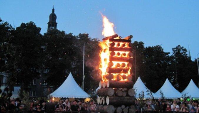 С вечера пятницы в центре Риги введены значительные ограничения движения