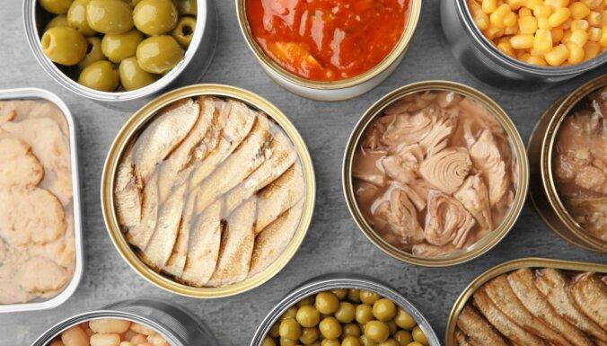 No tomātiem un pupiņām līdz tuncim un šprotēm: receptes konservu izmantošanai