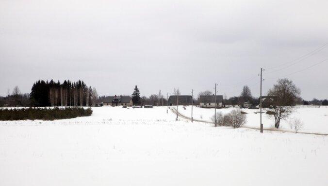 Trešdienas rītā vietām nedaudz snieg; diena būs saulaina