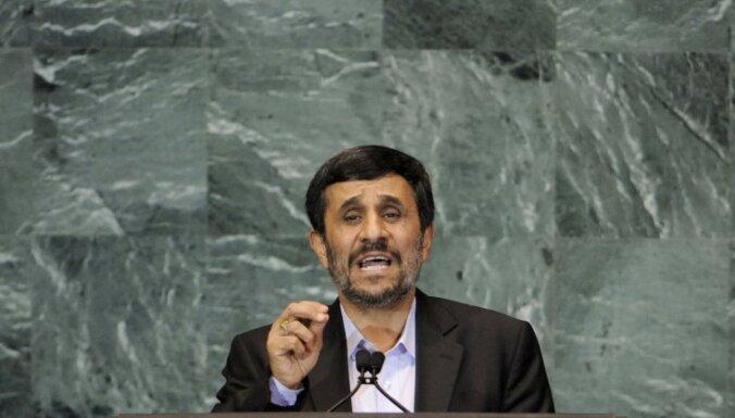 Ahmadinedžads aicina Rietumus nokāpt no 'ziloņkaula torņiem'